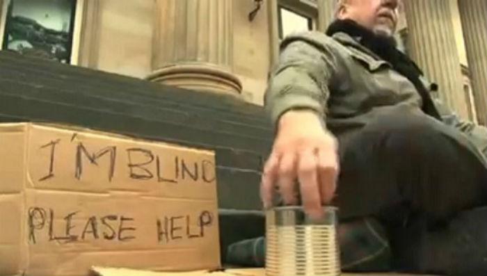 Tấm biển của người mù